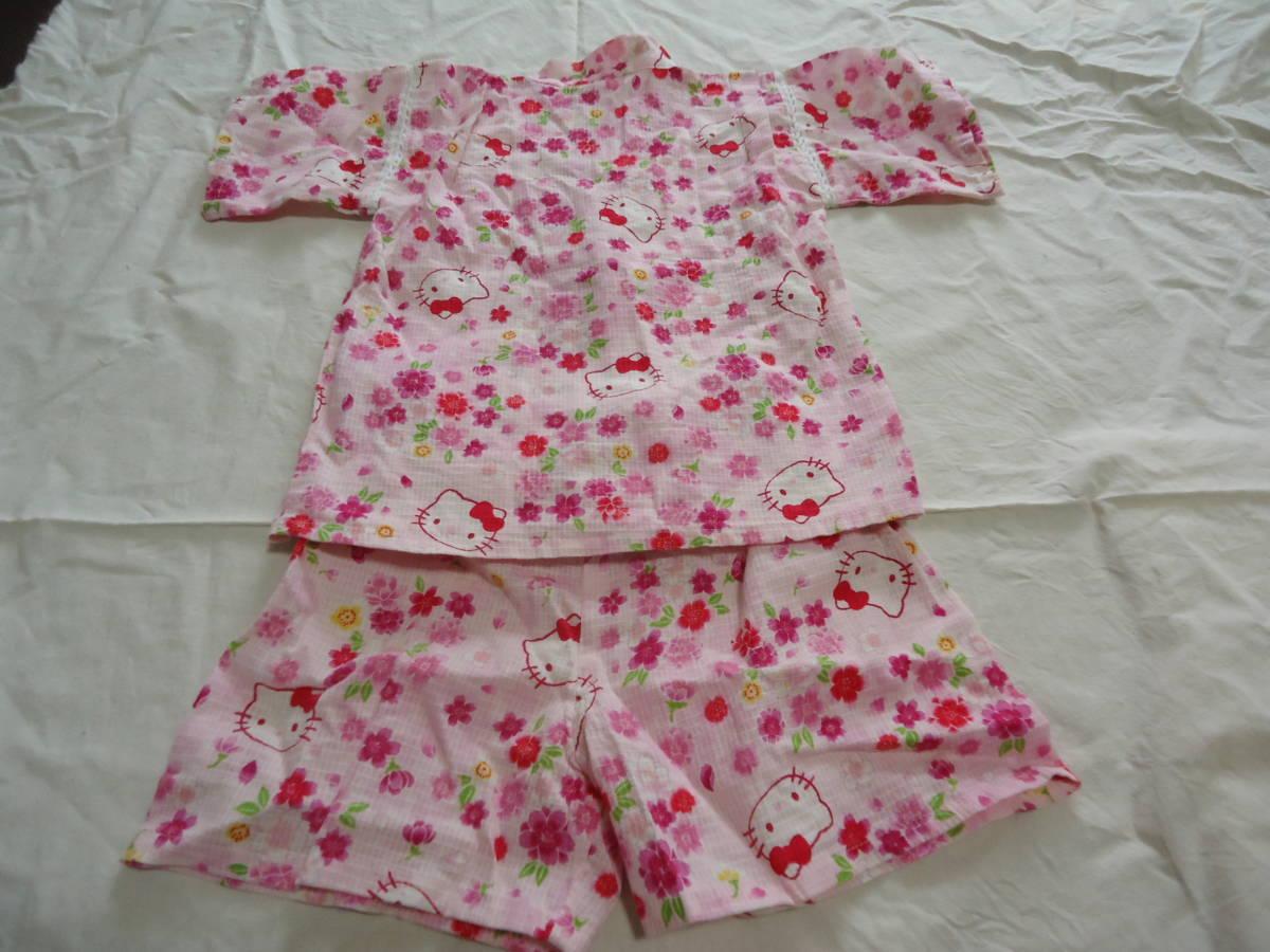 USED★ハローキティ 90センチ ピンク色の可愛い甚平 花柄が綺麗_後ろ