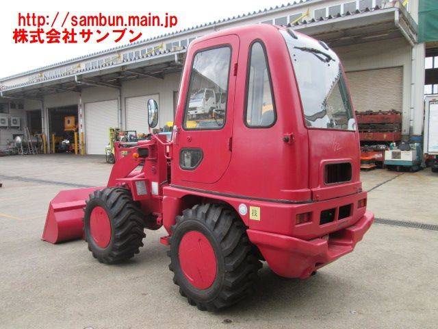 「☆WS310-3,三菱,ホイールローダ,0.5立米,1,800Hr,A/T,38ps,最大積載量800kg,タイヤ新品,1997年製,」の画像3
