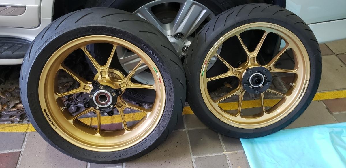 マルケジーニ ホイール ZRX1200DAEG用 ダエグ M10S-Kompe タイヤ ロッソ3 ISAマルケジーニ用スプロケット オーリンズ用カラーセット_画像2