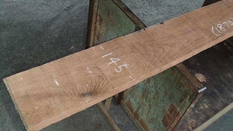 【小さな大工さん】【木っ端クラブ】Bウォールナット ラフ材 1760×140×26㎜ 人乾材 DIY 1番_画像2