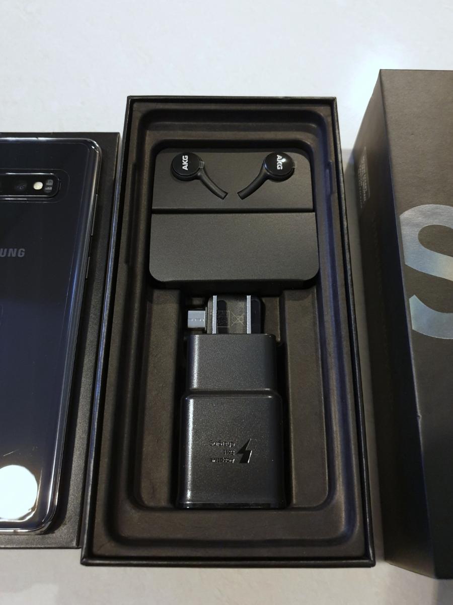 新品 未使用 送料込み Samsung Galaxy S10+ Plus Snapdragon 855 SM-G975U1 128GB Prism Black プリズムブラック simフリー_画像5