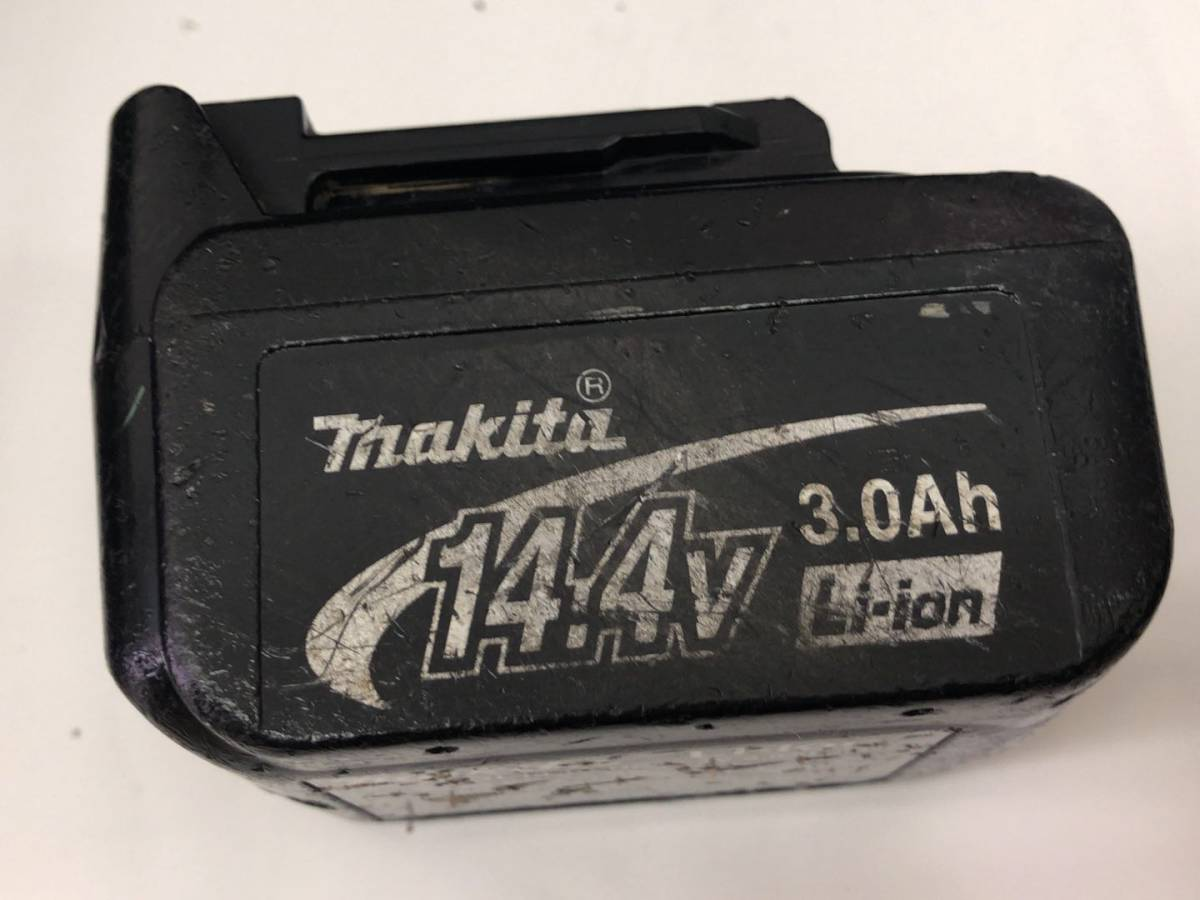 makita マキタ 充電式インパクトドライバ TD137D 本体・バッテリー×2個 ・充電器 セット 【中古品】_画像6