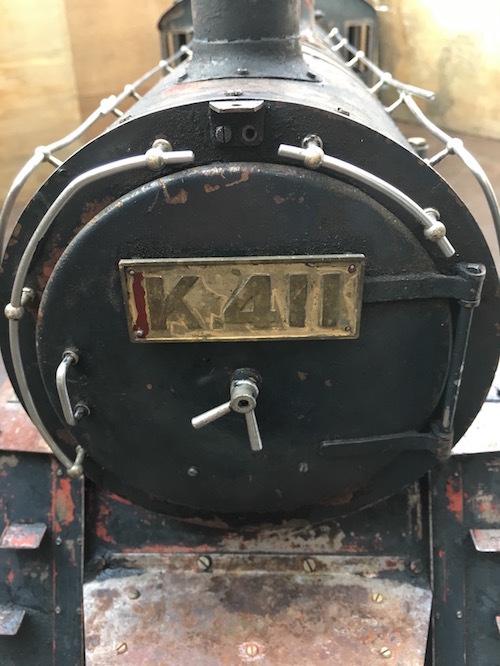 W80 ライブスチーム K 411 小栗車輌 製造 蒸気機関車 5インチゲージ 乗用 古鈴 芹香鉄道 台車付 機関車 SL ジャンク品_画像4