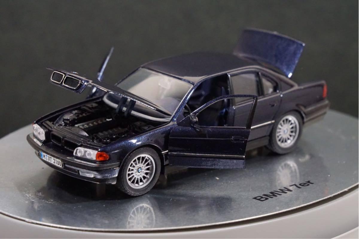 中古品 1/43 希少!BMWディーラー特注品!BMW 7er E38 7シリーズ ドア、ボンネット、トランク開閉 カタログナンバー80429422181_画像3