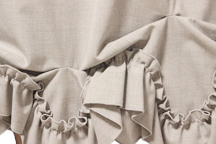 【1点限り 即決】美品 FOXEY NEW YORK フォクシーニューヨーク ブリリアント フリル プリーツ スカート 31668 ライトグレー size 42_画像5