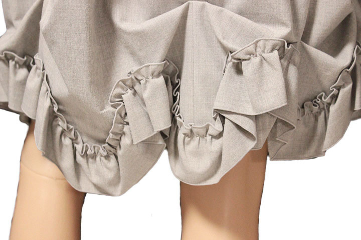 【1点限り 即決】美品 FOXEY NEW YORK フォクシーニューヨーク ブリリアント フリル プリーツ スカート 31668 ライトグレー size 42_画像6