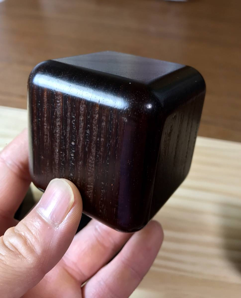 木製インシュレーター 本紫檀で製作 寸法60mm×60mm×60mm 8個セット 銘木 自作 古材_画像4