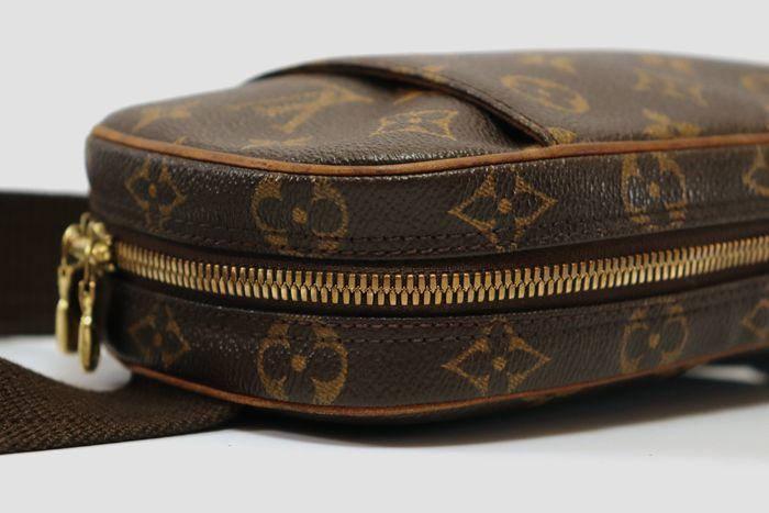 【極美品】ルイヴィトン Louis Vuitton  ポシェットガンジュ ウエストポーチ  ボディバッグ  斜め掛け 定価約13万円 _画像5