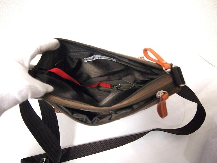 軽い 斜め掛け ショルダーバッグ レディース ブラウン 新品 ニコレッタモレッティ ナイロン たくさん入る ポケット多い 薄い かばん 鞄_画像4