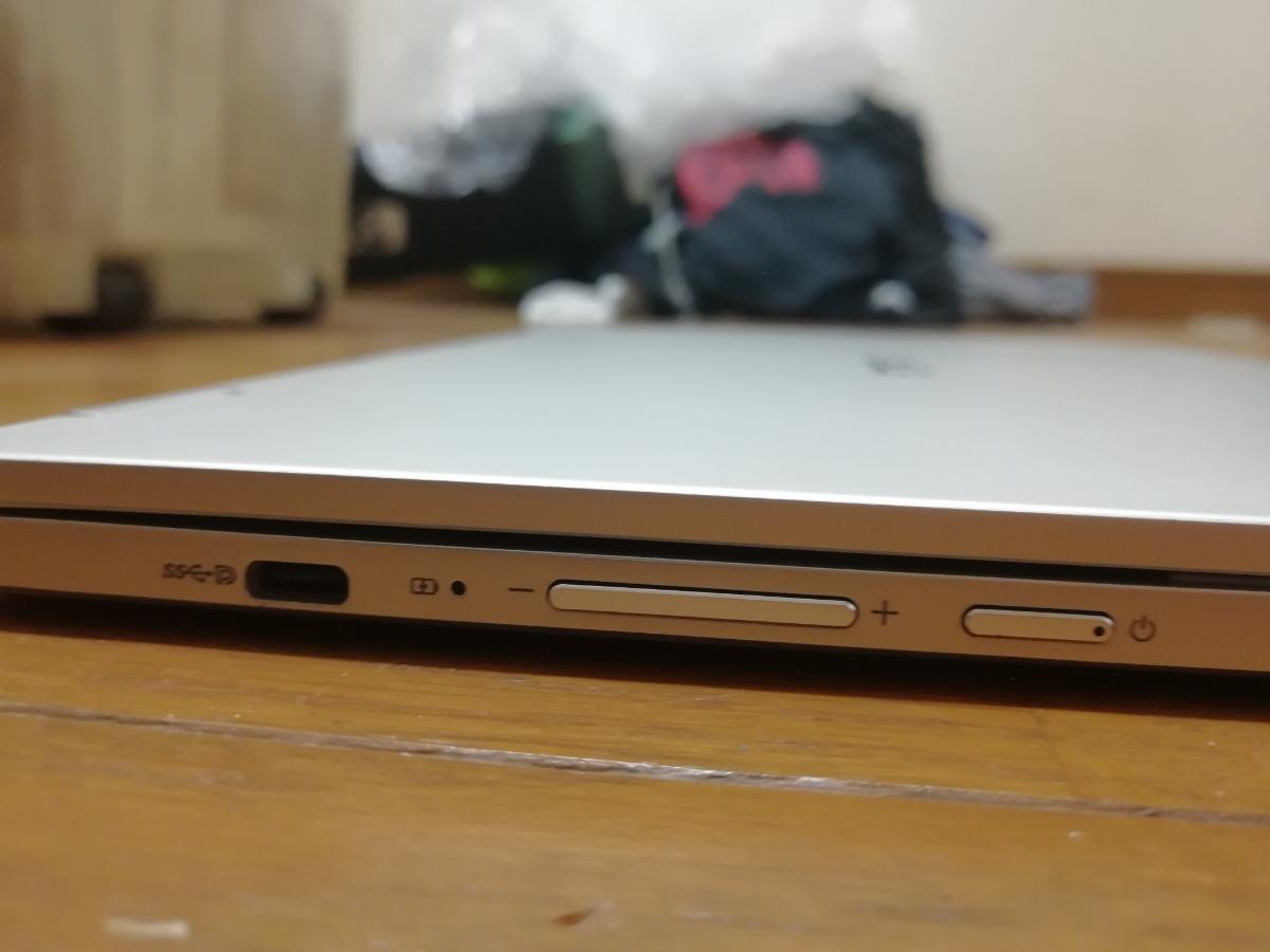 【送料無料】ASUS chromebook flip C302C 本体・ACアダプタのみ【美品】_画像4