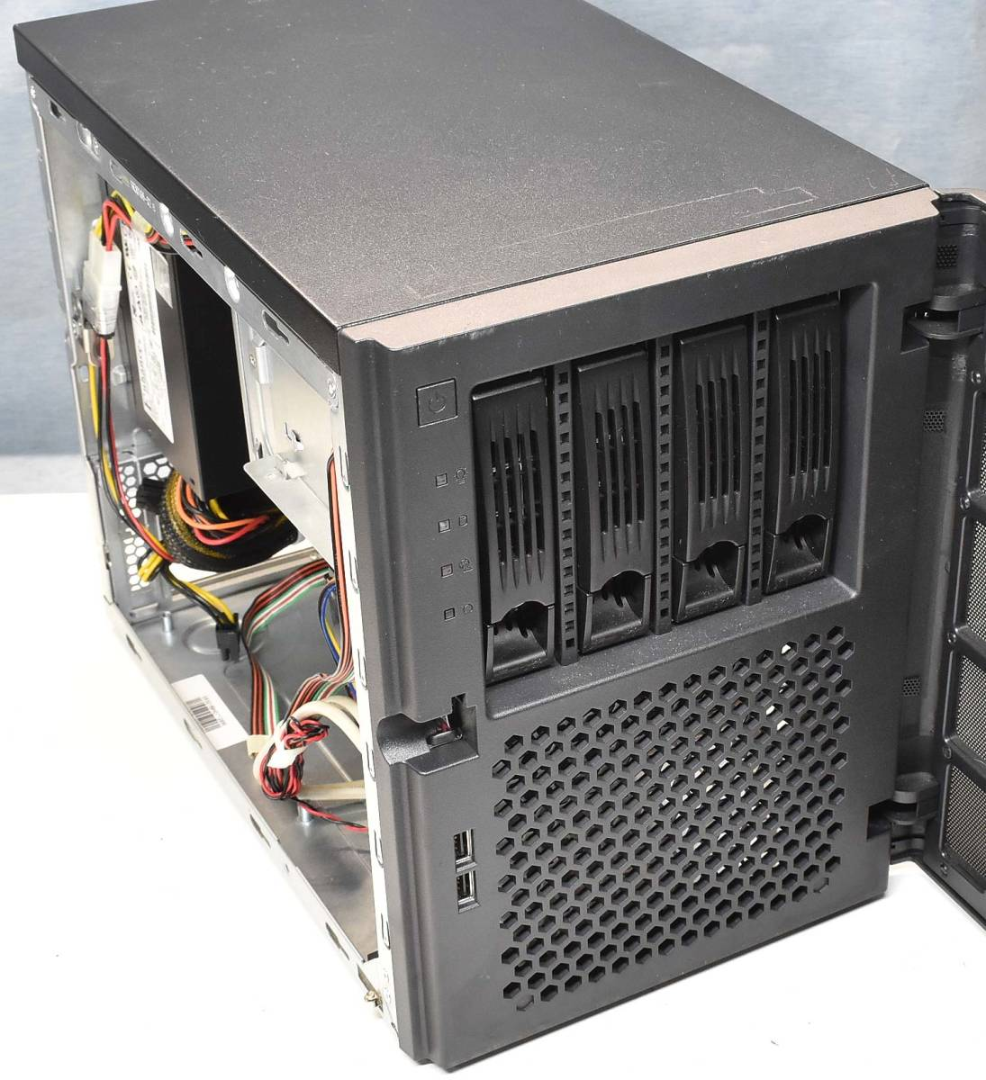 Mini-ITX CHENBRO SR301 OEM品 ホットスワップ対応ベイ x4(HDD4台搭載可能) Mini-ITX ケース (管:ITX1_画像5