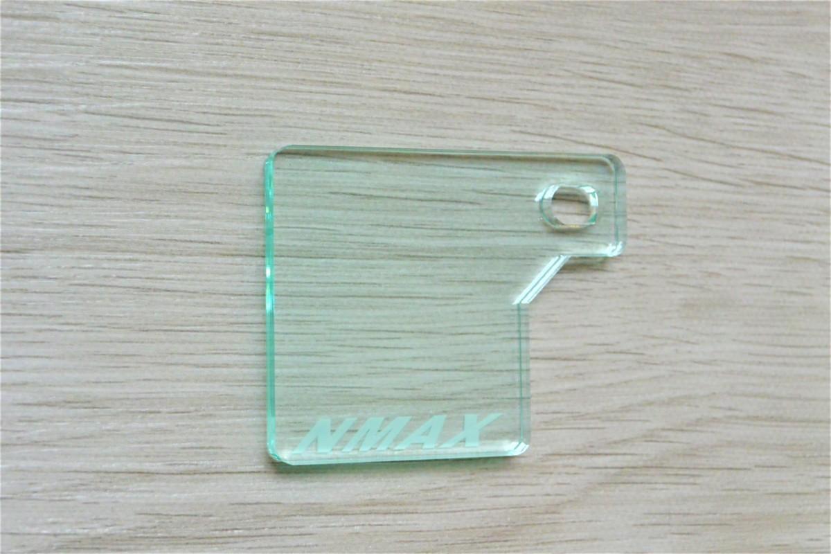 送料無料 J-43-1 NMAX ガラス調 厚さ5㎜ アクリル製 オリジナル 自賠責 ステッカー プレート NMAX 125_画像5