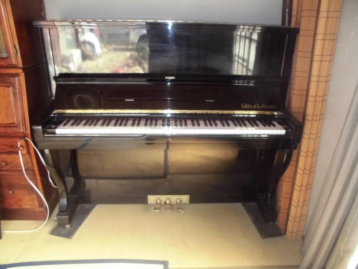 グロスコールマン 大成ピアノ製 国産品 黒塗り美品 中級機種 作りの良い使用頻度の少ない美品です。_使用頻度少なく、外装も綺麗なピアノです。