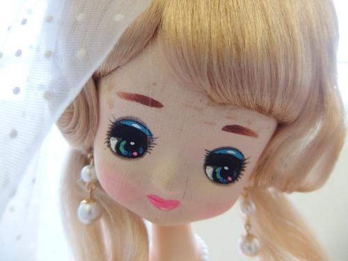 691261s【サイズB】昭和レトロ ドレスを着た女の子 ポーズ人形/H52cm/中古品_画像2
