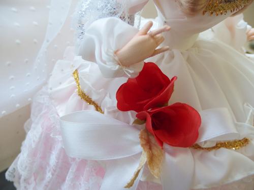 691261s【サイズB】昭和レトロ ドレスを着た女の子 ポーズ人形/H52cm/中古品_画像3