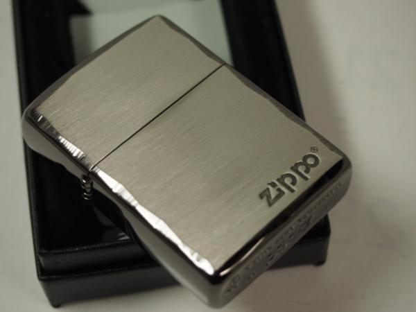 Zippo ARMOR シンプルロゴ・シャインレイ 彫刻アーマー黒銀SBN ブラック_画像5