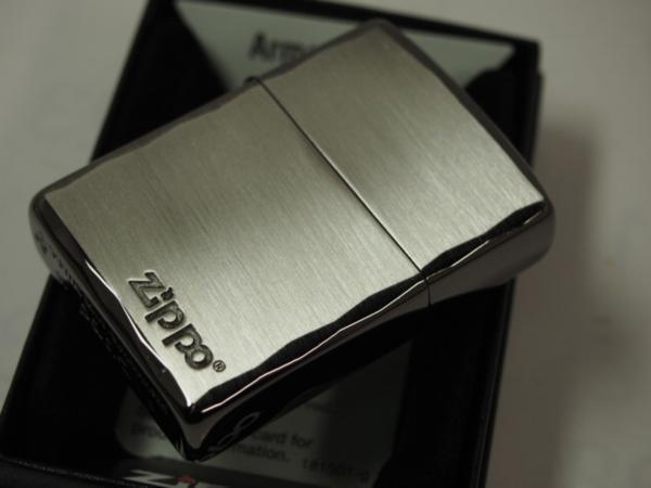 Zippo ARMOR シンプルロゴ・シャインレイ 彫刻アーマー黒銀SBN ブラック_画像4