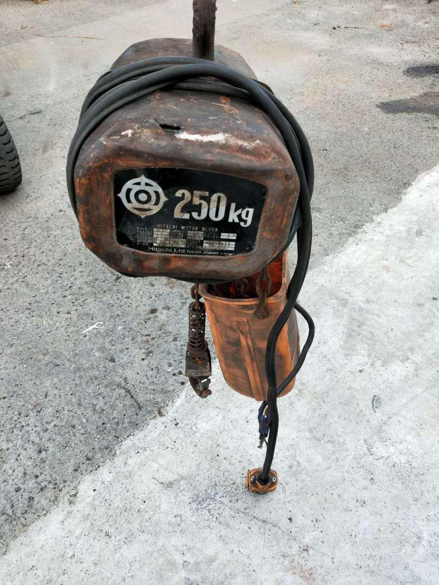 日立 HITACHI 1/4BF 電動 チェーンホイスト ウインチ 荷重 250kg 揚程3m 200V_画像1