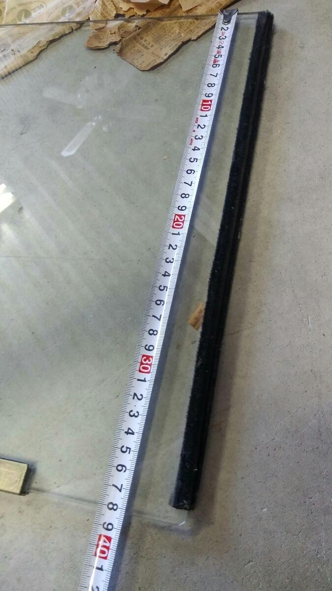 スバル サンバー K151 153 163? くちびるサンバー 富士重工純正部品 サイドガラス 品番、車種不明 新品未使用 スバル代理店閉店在庫_画像5