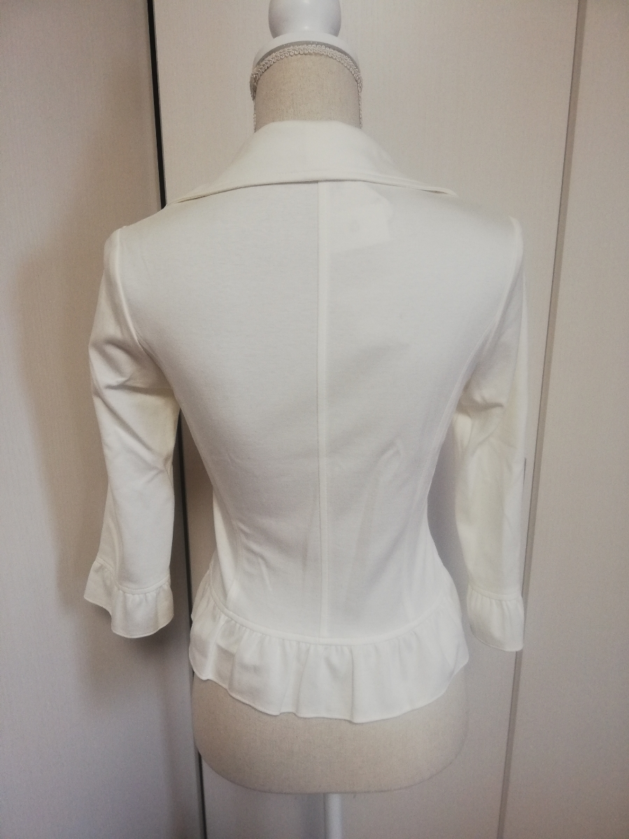 【新品タグ付き】レストローズ◆ジャージー素材裾フリルジャケット(白・ホワイト)七分袖 Mサイズ◆L'EST ROSE 伸縮性有 やわらか _画像3