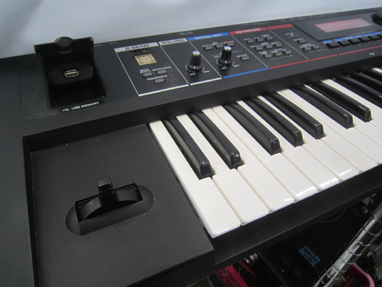 Roland/ローランド JUNO-Di 61鍵盤 シンセサイザー キーボード ケース アダプター付き 動作確認済み_画像6