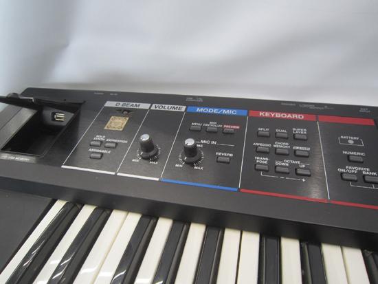 Roland/ローランド JUNO-Di 61鍵盤 シンセサイザー キーボード ケース アダプター付き 動作確認済み_画像3