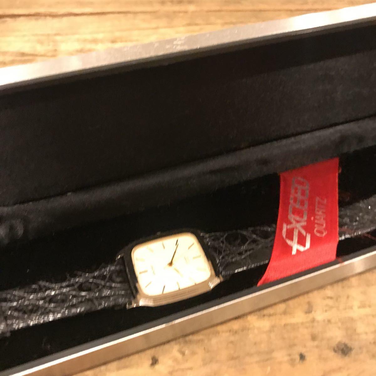 7018☆ CITIZEN シチズン EXCEED エクシード メンズ 腕時計  現状品 ケース付き 動作未確認 ベルトブラック 記念  ☆同梱不可☆_画像2