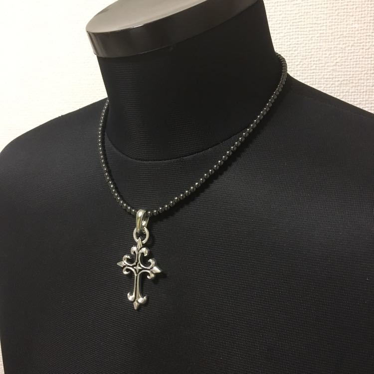即決!新品!存在感のあるシルバーデザインクロス十字架ヘマタイト磁気ネックレス 肩こり健康 アジャスター付き ユニセックス メンズ_画像4
