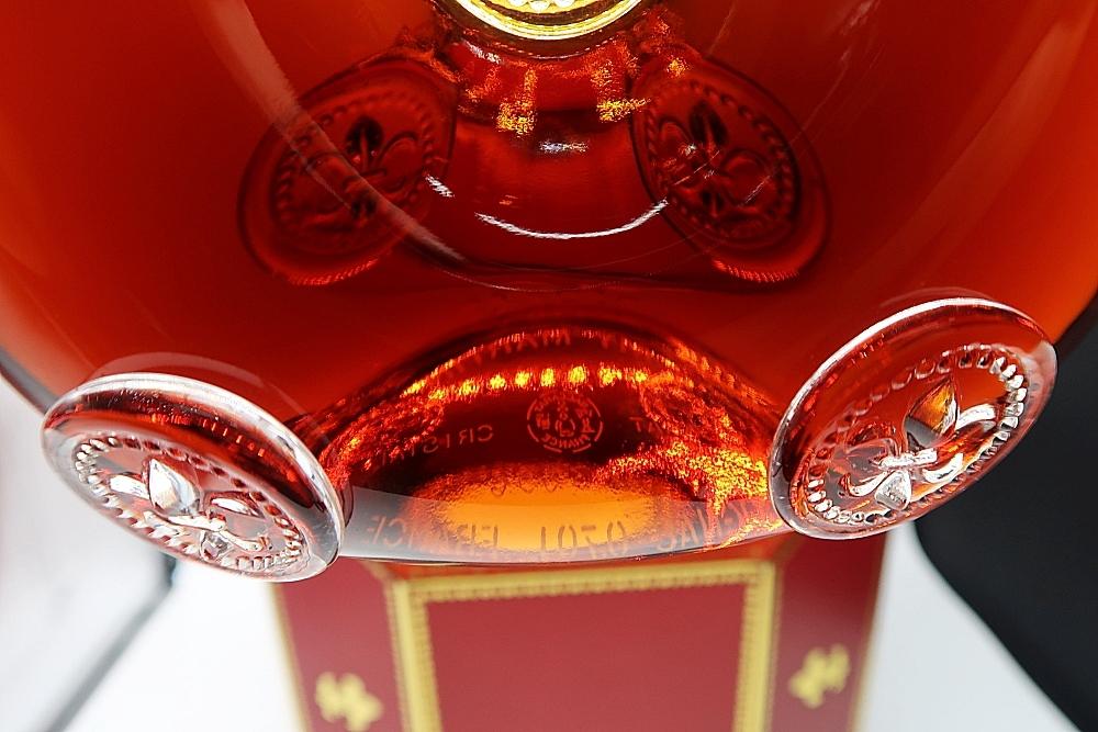 ■未開栓■REMY MARTIN LOUIS XIII■レミーマルタン ルイ13世■旧金キャップ■700ml ■替え栓・箱・冊子付き バカラボトル 古酒■_画像7