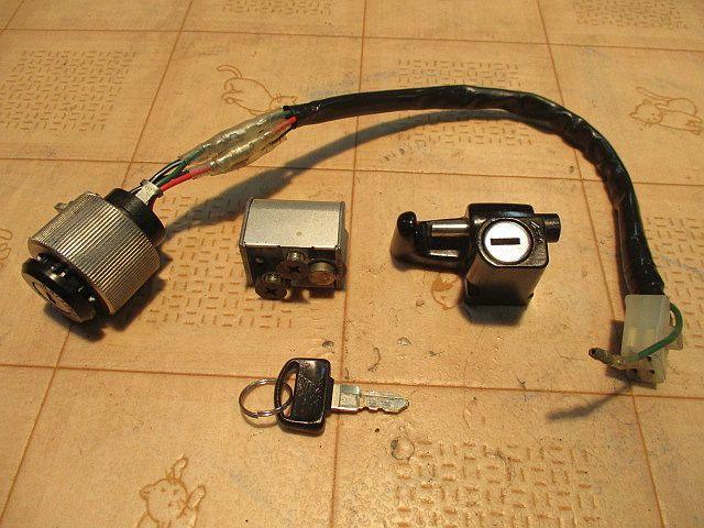 ホンダ純正6Vメインキーシリンダー&ハンドルロックシリンダー&ヘルメットホルダーシリンダー&カギのセット:モンキーカギ鍵