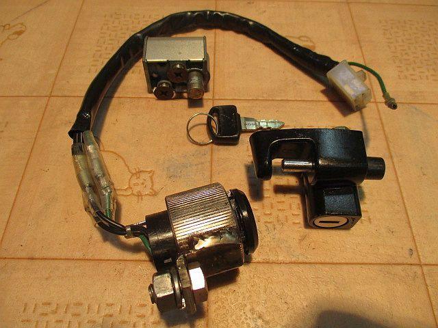 ホンダ純正6Vメインキーシリンダー&ハンドルロックシリンダー&ヘルメットホルダーシリンダー&カギのセット:モンキーカギ鍵_画像10