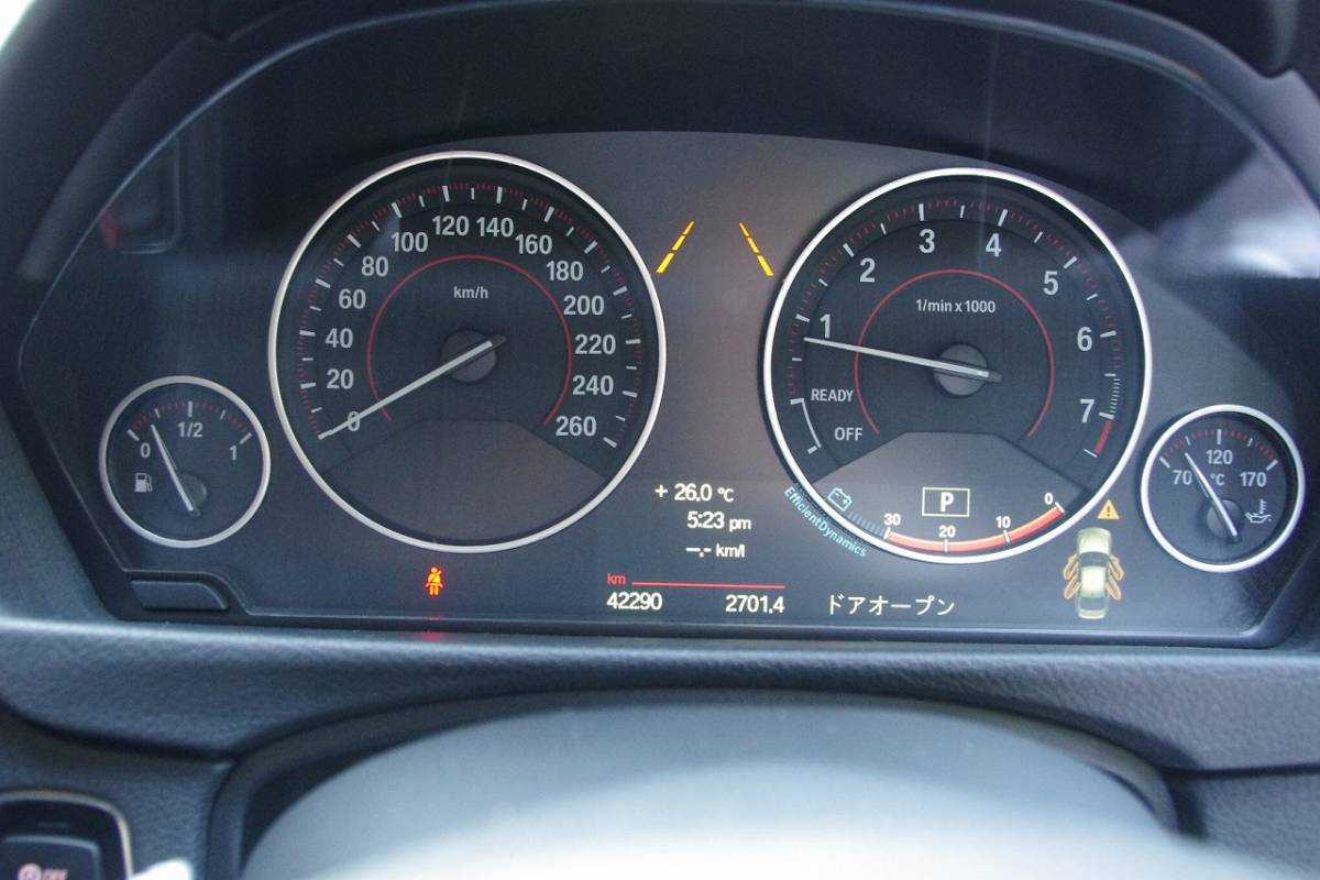 ★平成26年式!BMW320i!走行42,000km台!個人出品!修復歴無し!禁煙車!地デジ走行中可♪♪ _画像7