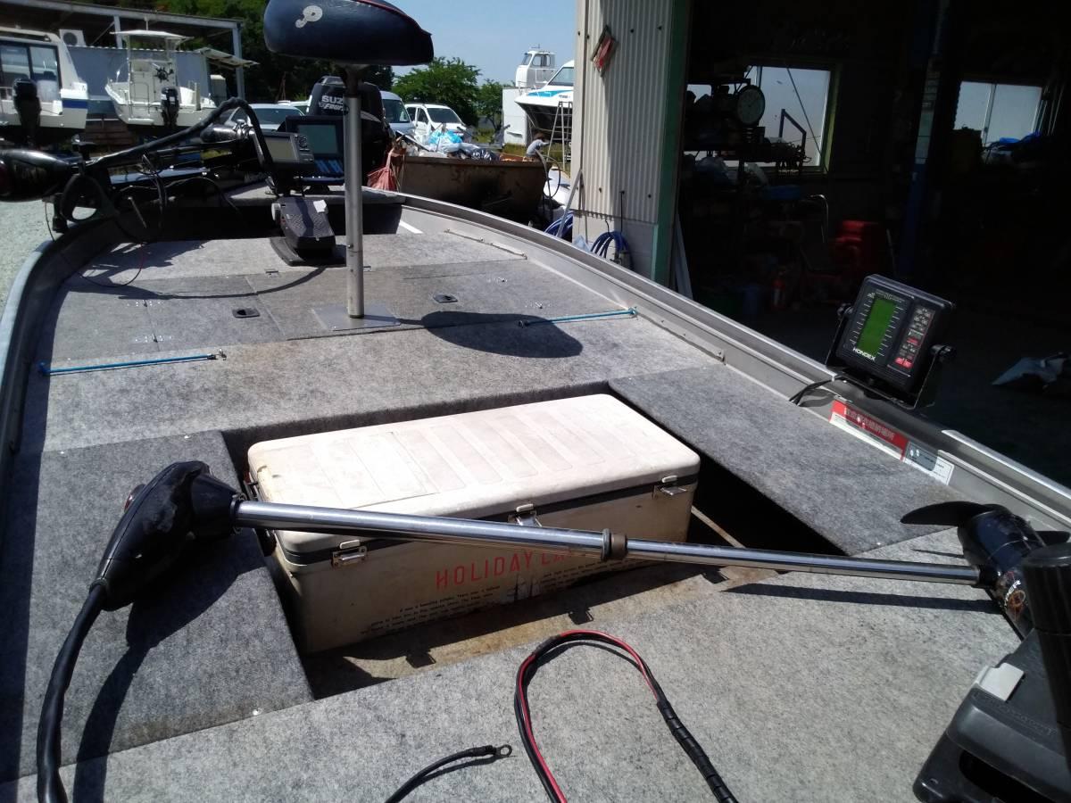 バスボート クイントレックス V12 BLAST,TRAILトレーラー付き_画像5