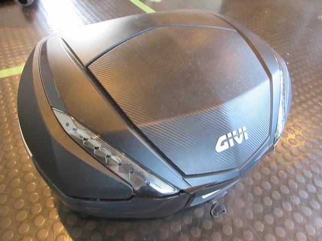 GIVIボックス★TOPケース/モノキーシステムV47/大容量BOXで積載アップ♪最落無し!