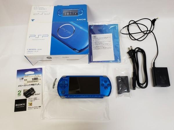 中古 PSP プレイステーション・ポータブル バイブラント・ブルー (PSP-3000VB) バッテリーパック メモリースティック ソフト3本付き_画像2