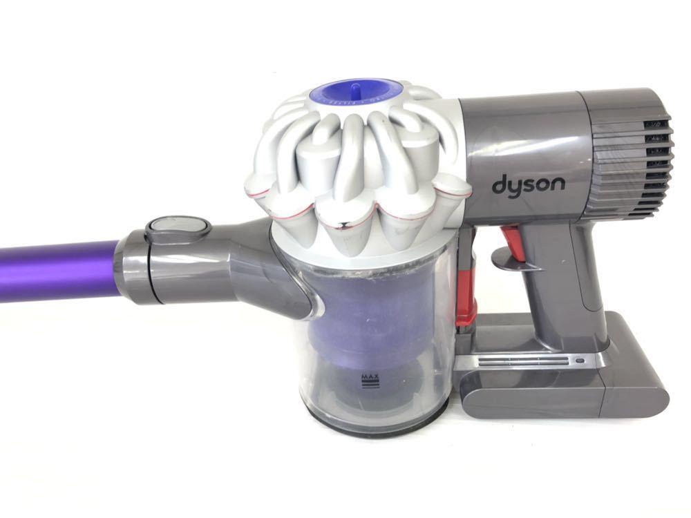 h062112 掃除機 dyson コードレスクリーナー dyson v6 DC62 動作確認済み ダイソン パープル_画像5