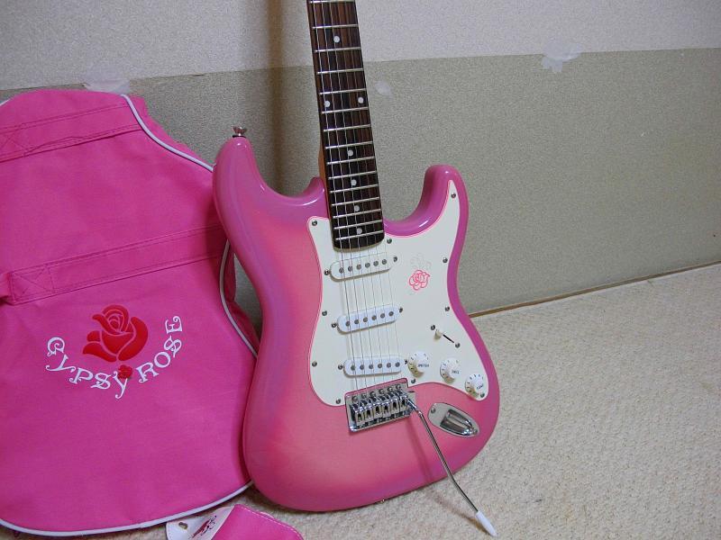 GYPSY ROSE /ジプシーローズのストラトタイプギターです_画像3