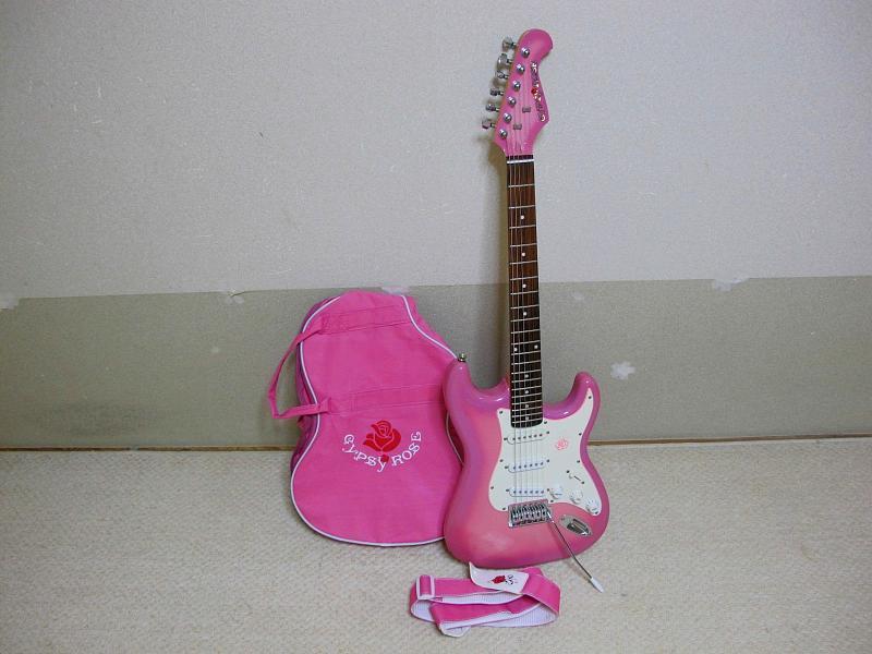 GYPSY ROSE /ジプシーローズのストラトタイプギターです