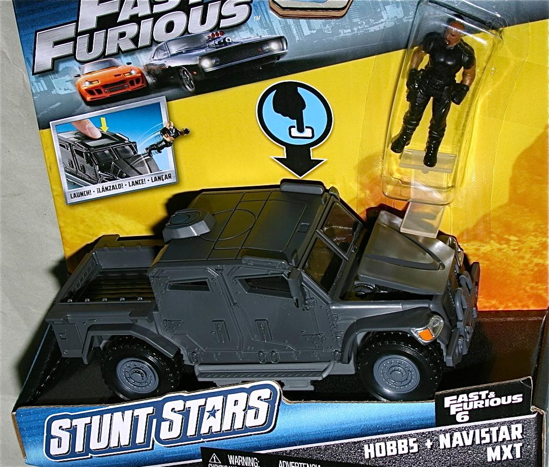 日本未発売 マテル ワイルドスピード ナビスター MXT & ホブス フィギュア STUNT STARS Navistar ドウェイン ジョンソン Fast & Furious_画像3