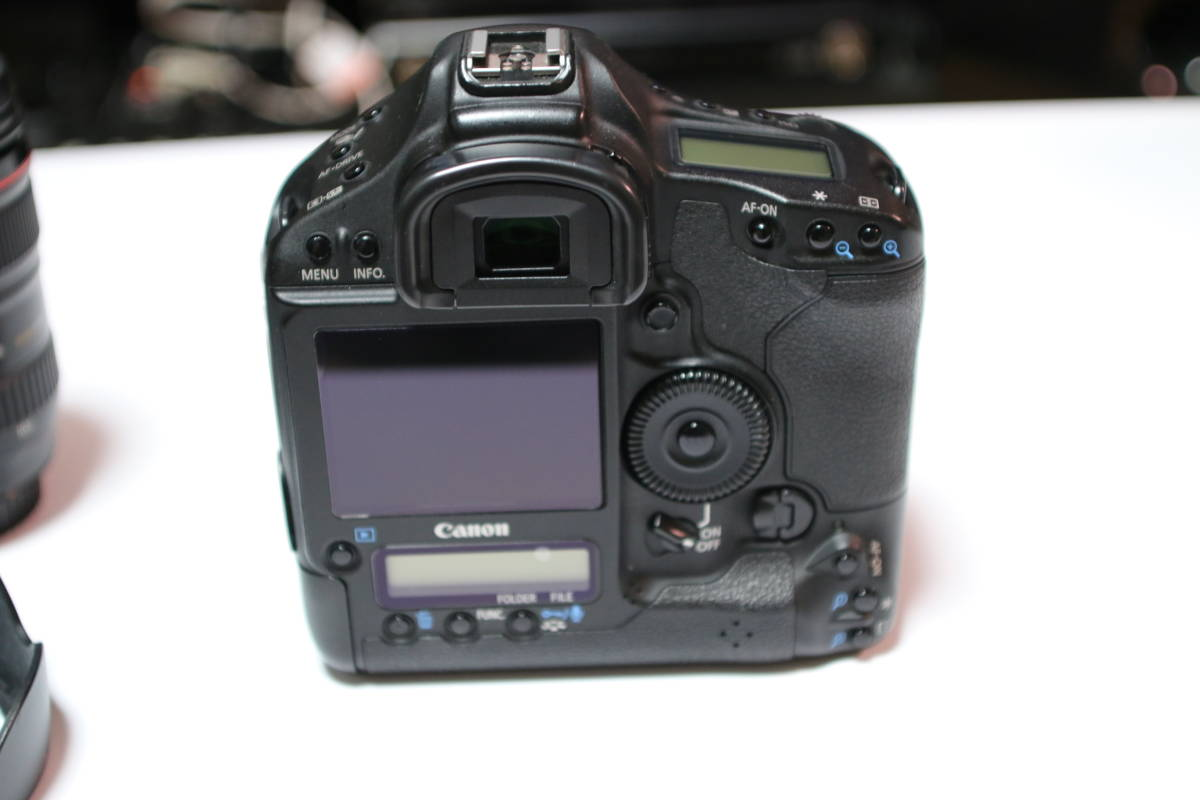 ☆良品☆ Canon EOS-1D MARK4 + EF24-105mm F4L IS USM セット_画像4