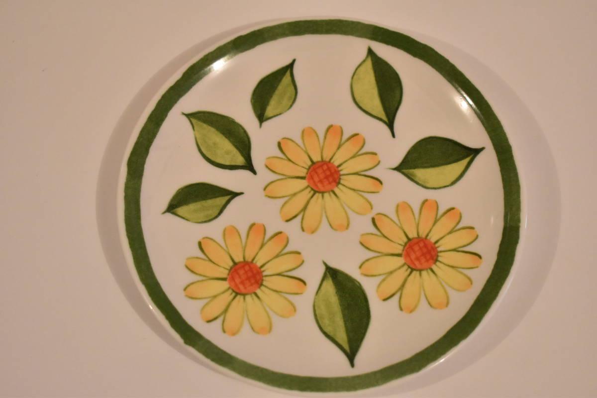 【未使用】ミスタードーナツ スペイン風 花柄 小皿 5枚セット 陶器*プレート*マーガレット*フラワー*レトロポップ*食器*レトロ*ミスド_画像4