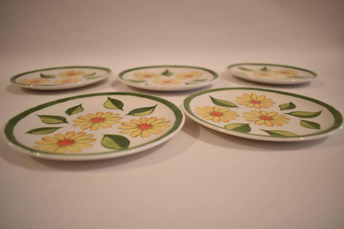 【未使用】ミスタードーナツ スペイン風 花柄 小皿 5枚セット 陶器*プレート*マーガレット*フラワー*レトロポップ*食器*レトロ*ミスド_画像2