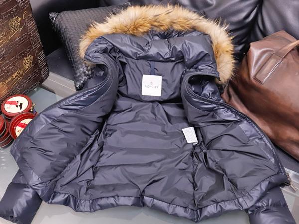 モンクレール 超大判ラクーンファー毛皮フード付きベルテッドダウンコート サイズ0 女性服 ジャケット ブルゾン MONCLER 本物 国内正規_画像7