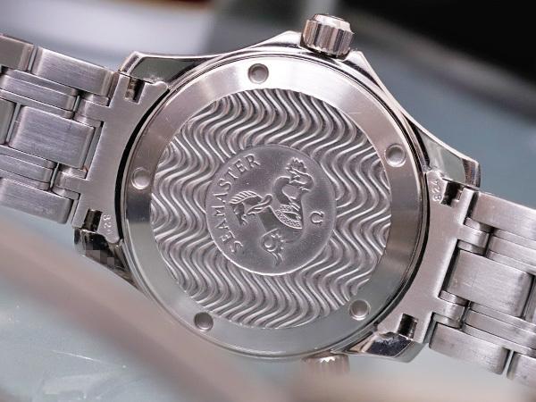 オメガ OMEGA シーマスター300 プロフェッショナル ダイバーズウォッチ 純正ダブルエクステンションブレスレット 腕時計箱 駒付 本物 正規_画像7