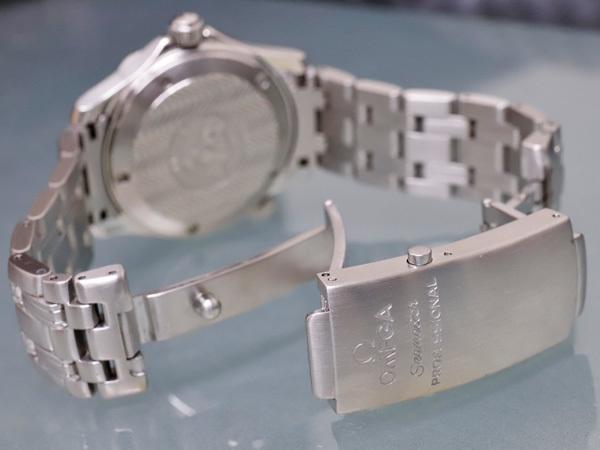 オメガ OMEGA シーマスター300 プロフェッショナル ダイバーズウォッチ 純正ダブルエクステンションブレスレット 腕時計箱 駒付 本物 正規_画像6