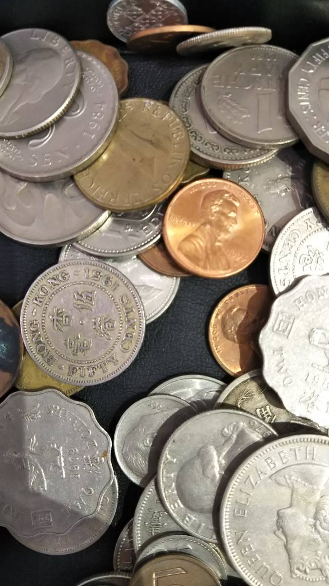 【A3997】お宝あるかも!! 外国銭 香港 中国 アメリカ その他 海外 紙幣 硬貨 まとめ 1000gオーバー_画像5