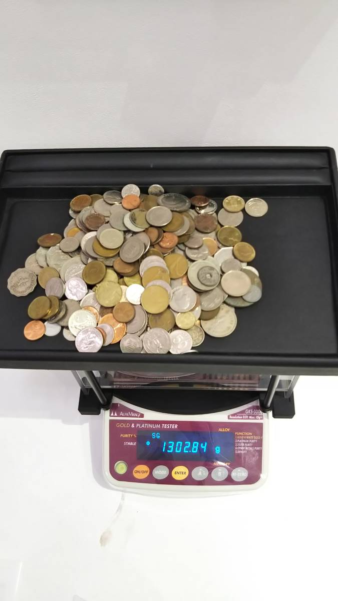 【A3997】お宝あるかも!! 外国銭 香港 中国 アメリカ その他 海外 紙幣 硬貨 まとめ 1000gオーバー