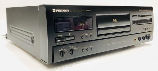 【純正リモコン付属・整備済】1円スタート 最落無し Pioneer D-05 DATデッキ デジタル オーディオ プレーヤー パイオニア_画像2