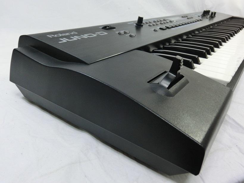 □ Roland JUNO-D ローランド 61鍵盤 シンセサイザー キーボード アダプター/専用ケース付き♪_画像3