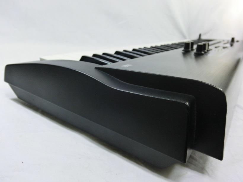 □ Roland JUNO-D ローランド 61鍵盤 シンセサイザー キーボード アダプター/専用ケース付き♪_画像4